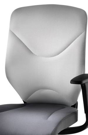Backrest with double-ply form-fit knit.