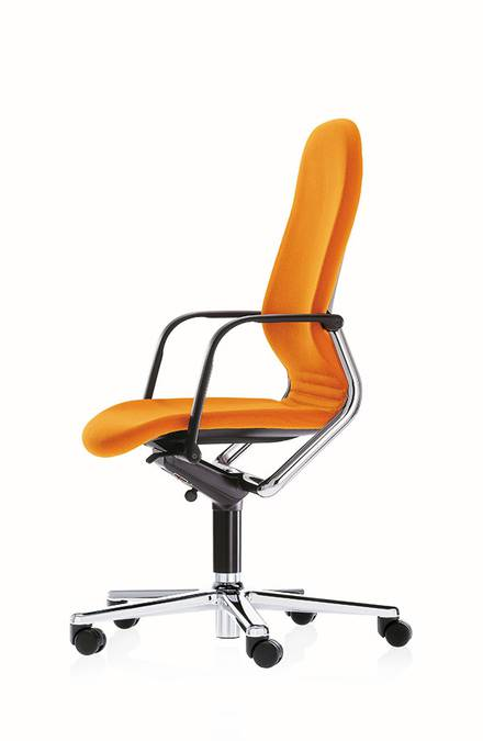 Wilkhahn FS task chair with contas conference table