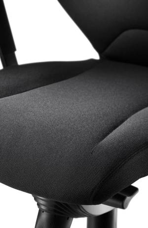 Seat with other Wilkhahn covers.