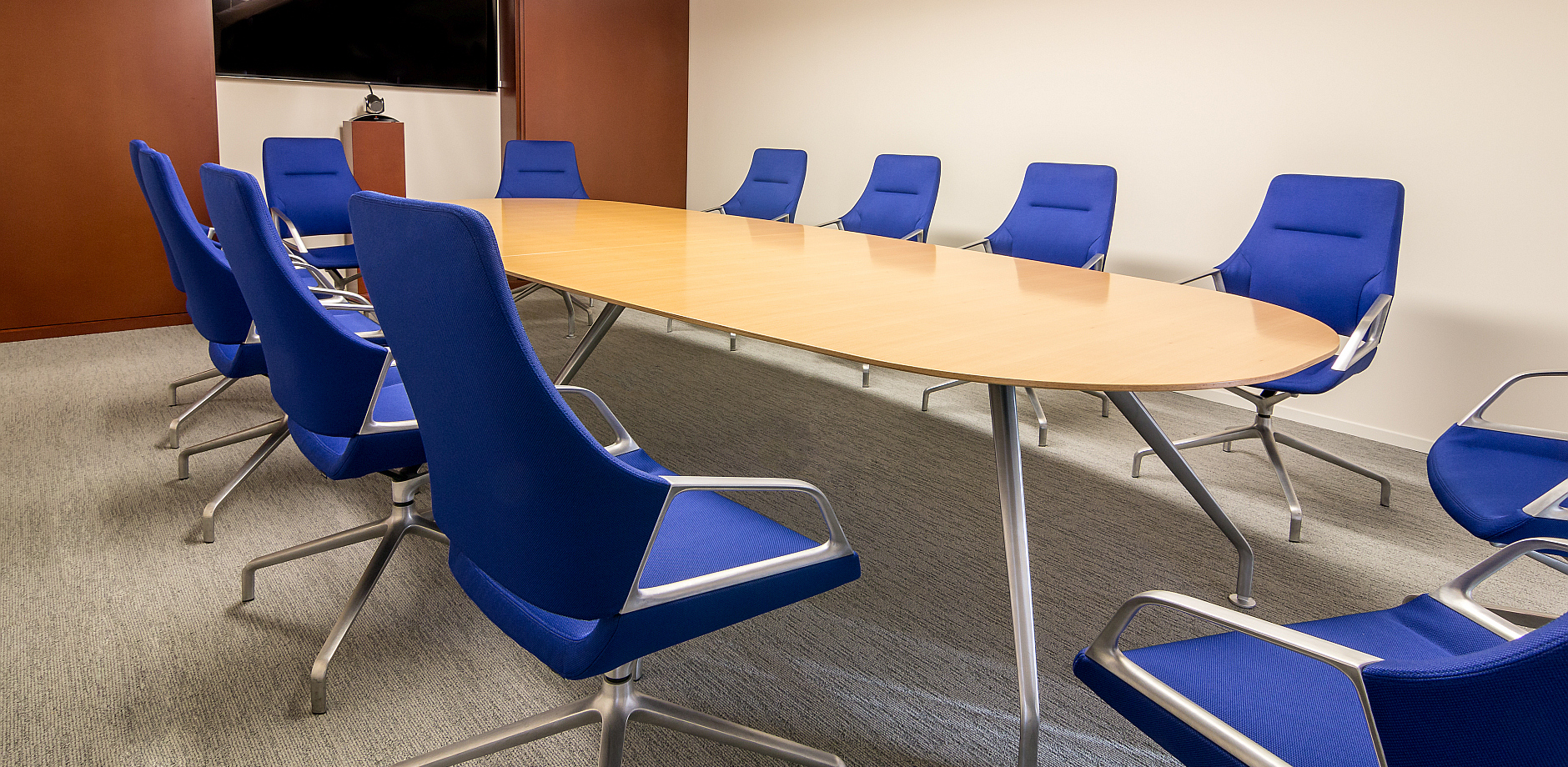 Real estate company, Graph conference chair and table, Wilkhahn