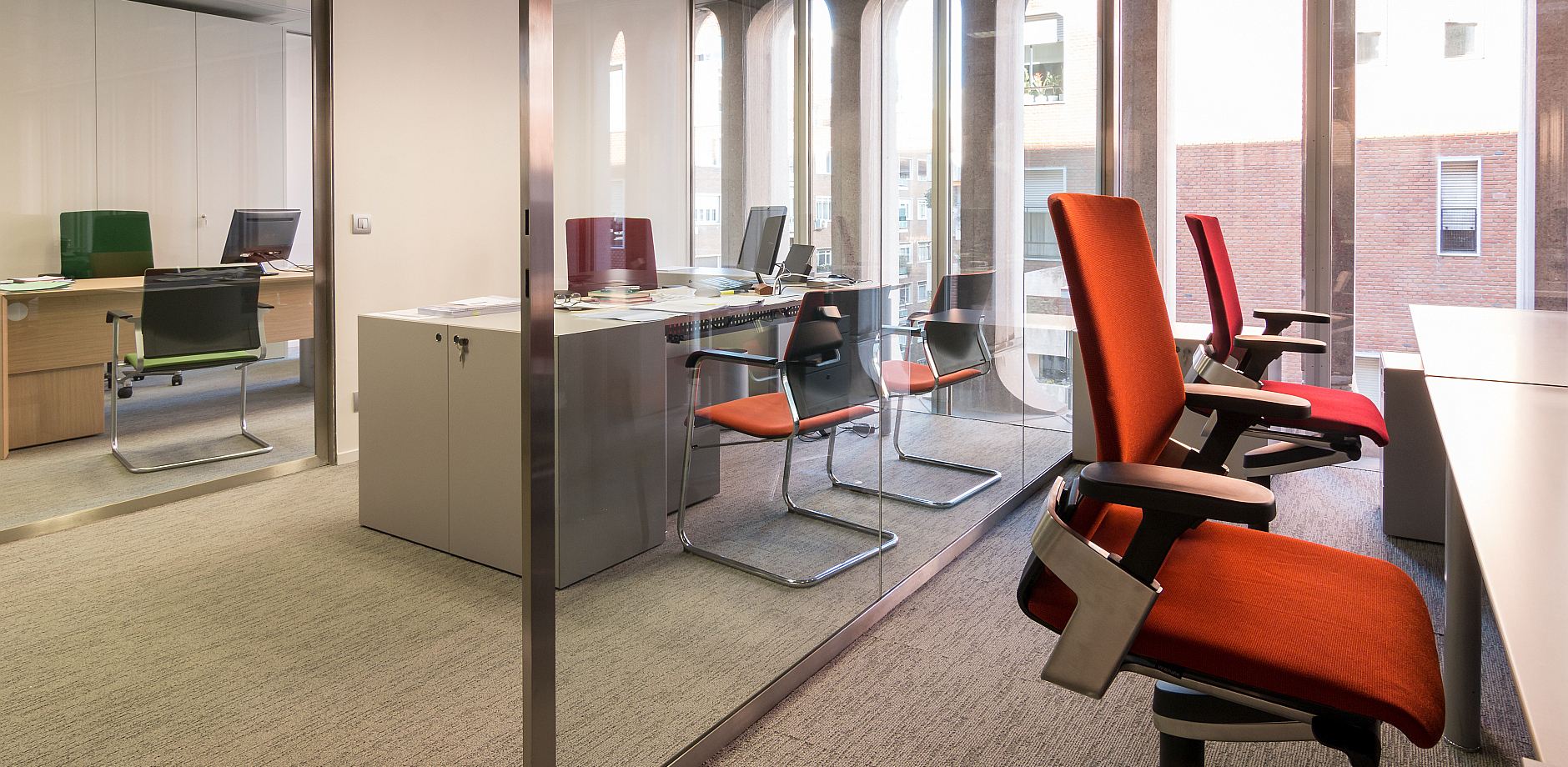 Real estate company, ON office chair, Sito cantilever chair, Wilkhahn