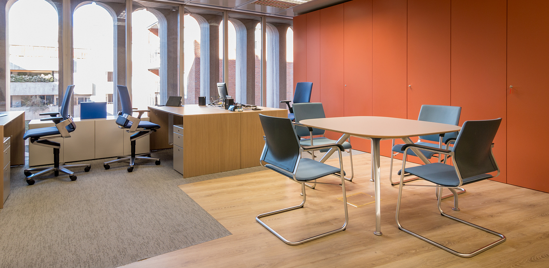 Real estate company, ON office chair, Sito cantilever chair, Graph table, Wilkhahn