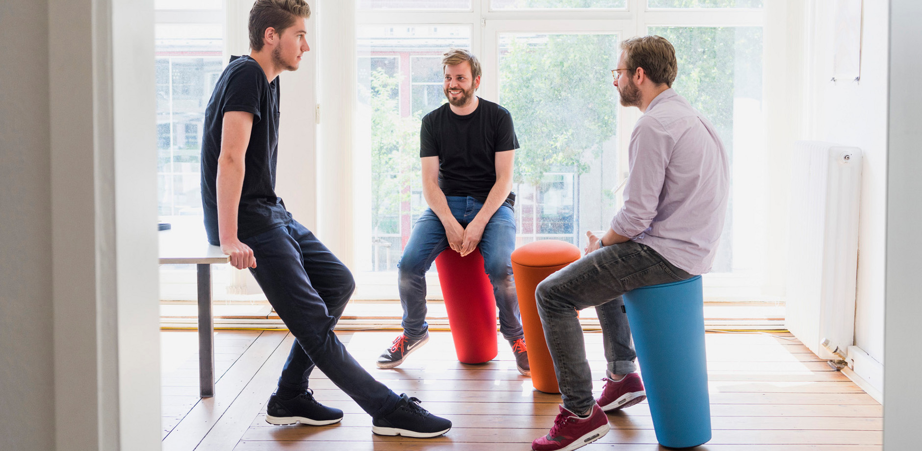 Stand-up at coworking space in Hanover   Wilkhahn