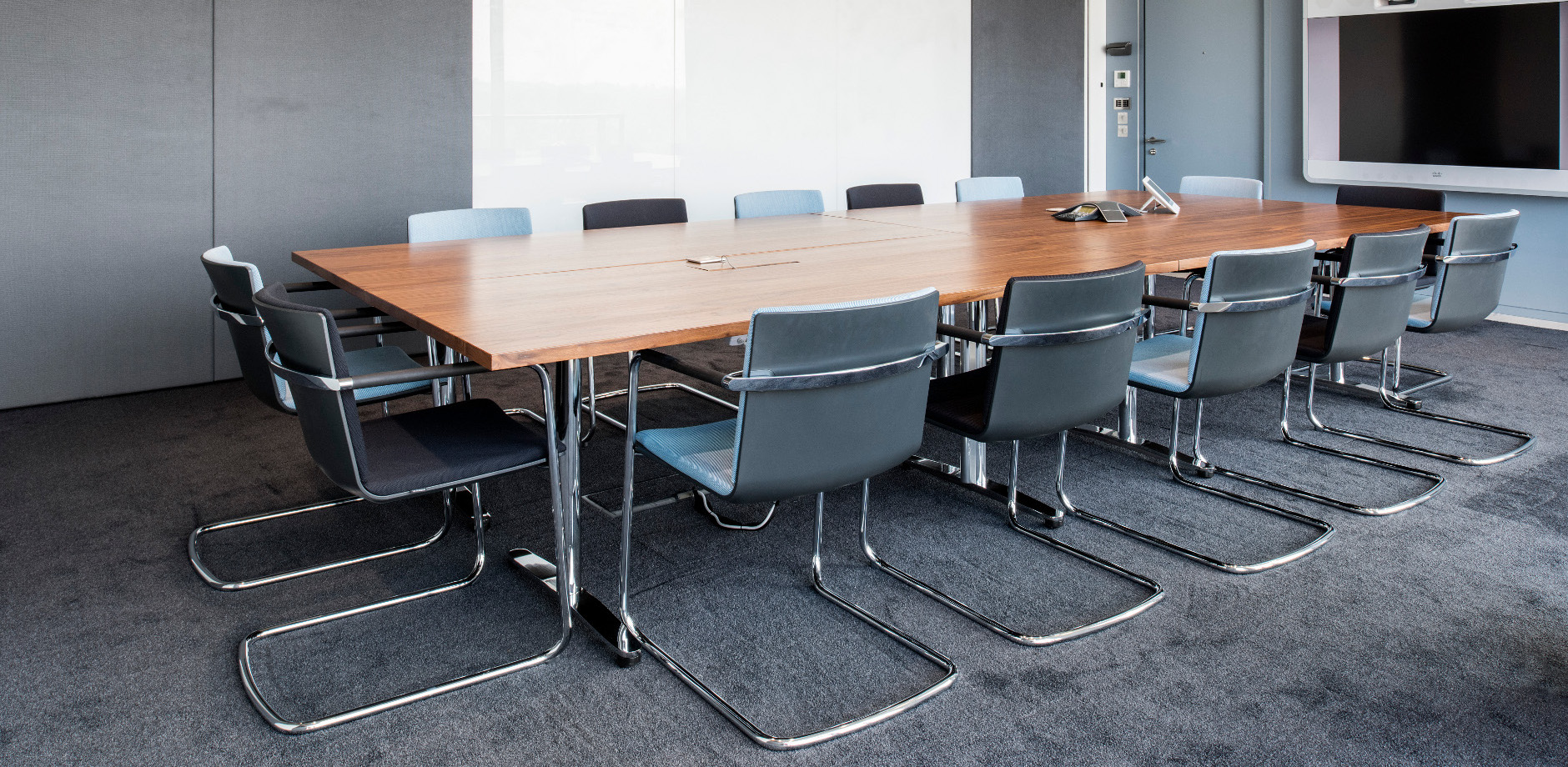 Office Space case study - Maersk Maidenhead - Wilkhahn Neos cantilever chair and Travis conference table