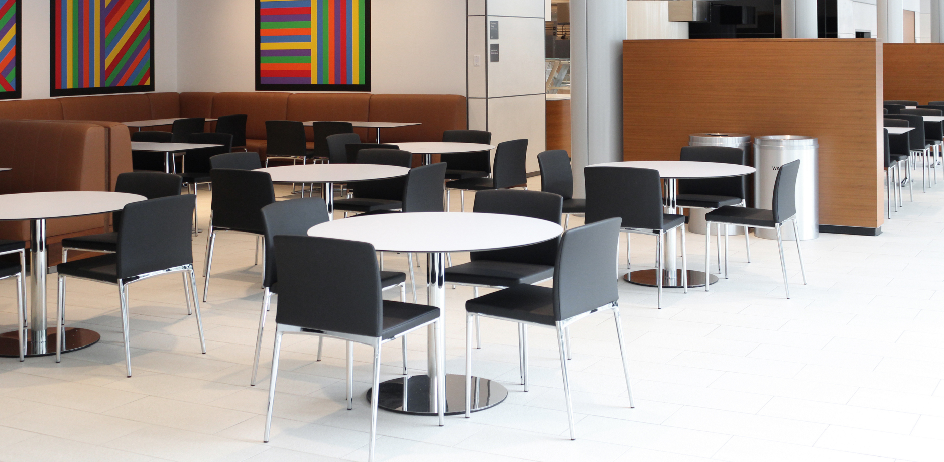 Yale SoM, US, Ceno four-legged chair and Aline table by Wilkhahn